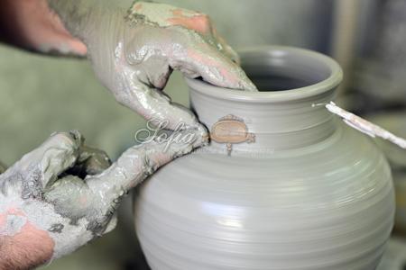 lavorazione ceramiche caltagirone